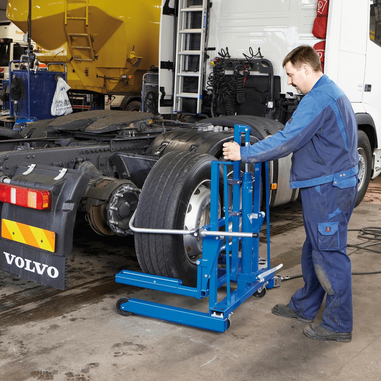 Rad-Montagewagen Bild 2